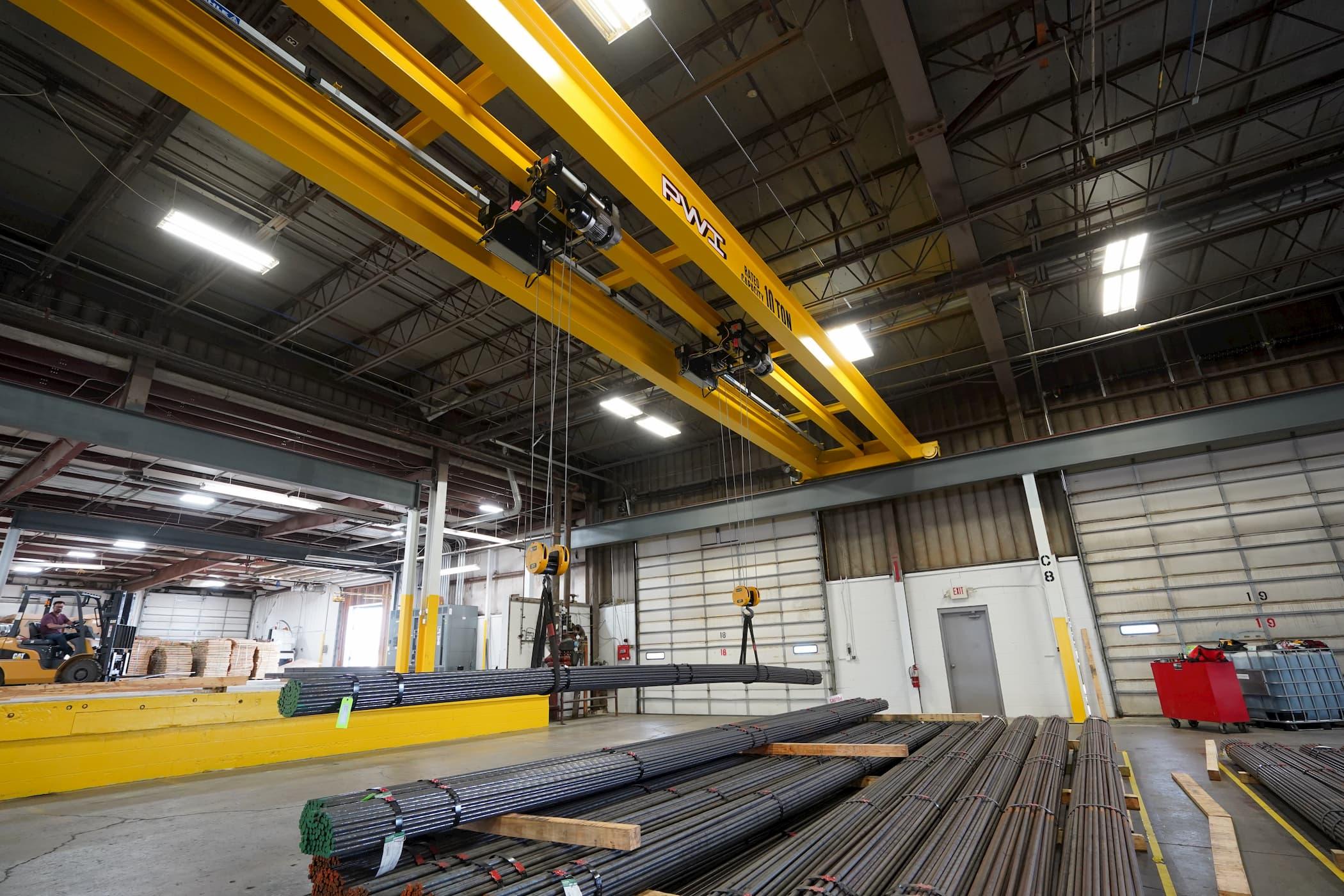 Overhead Bridge Crane Lifting Steel