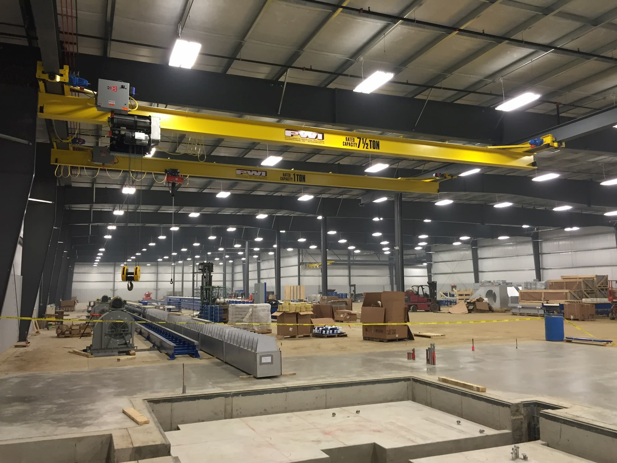 Overhead Bridge Crane in Manufacturing Plant